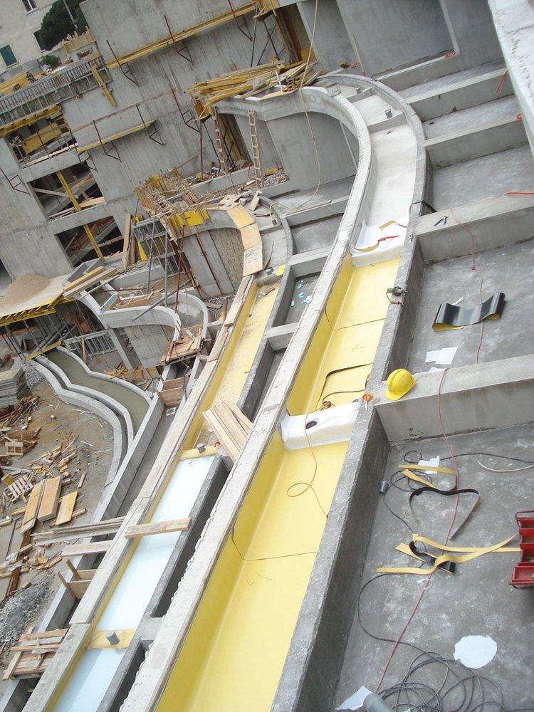 Ugradnja PVC hidroizolacijske membrane Protan GG 2.0mm unutar korita za cvijeće u produžetku terasa.